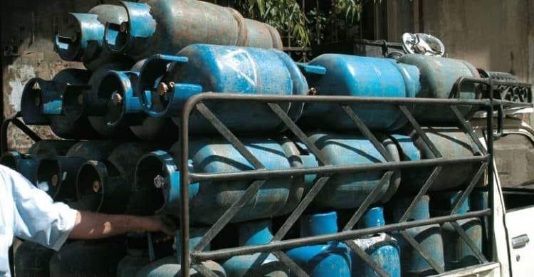 هل أنتم مع إلغاء الآلية المتبعة بتوزيع الغاز