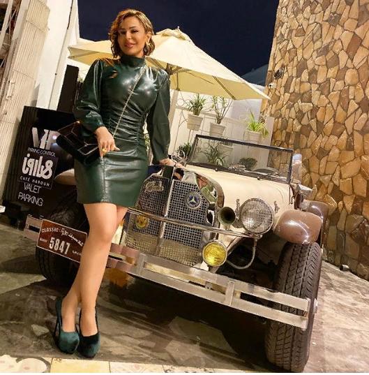 سوزان نجم الدين بفستان جلد قصير