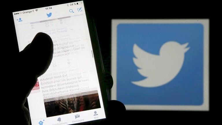 """""""تويتر"""" تلغي خدمة رسائلها القصيرة في العديد من البلدان"""