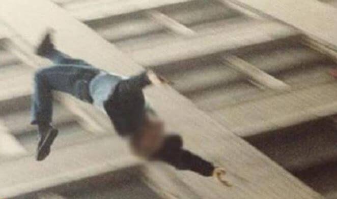 جريمة مروعة تهزمصرفي أول أيام العيد .. شخص يقتل والدته ويلقي بشقيقه من الطابق الرابع