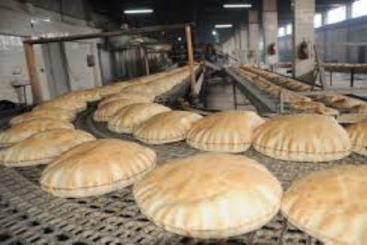 ربطة الخبز المدعوم تباع بـ 600 ليرة بمساعدة مدير مخبز في دمشق!