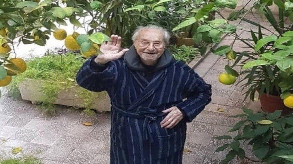 وفاة الأديب السوري فاضل السباعي عن عمر 91 عاماً